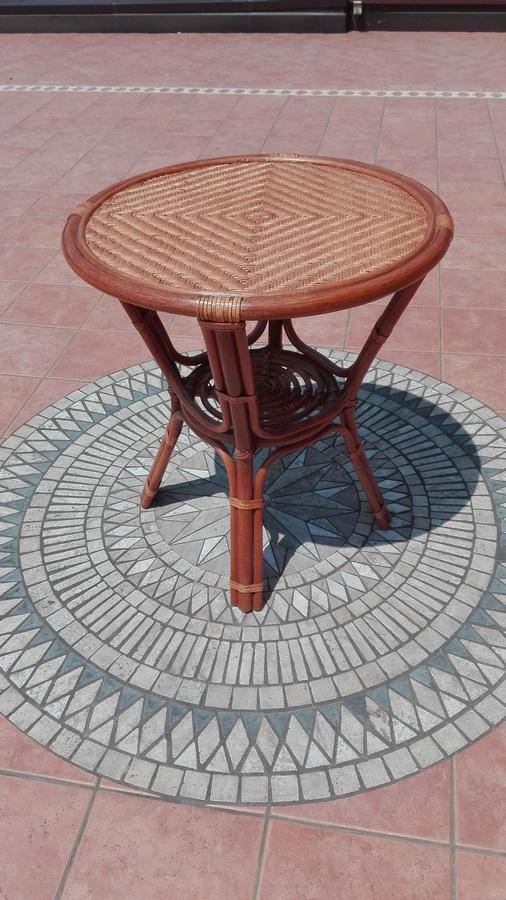 Tavoli In Vimini Da Giardino.Tavolo Tavolino Modello Tondo Alto Diametro 70 Altezza 75 Cm In
