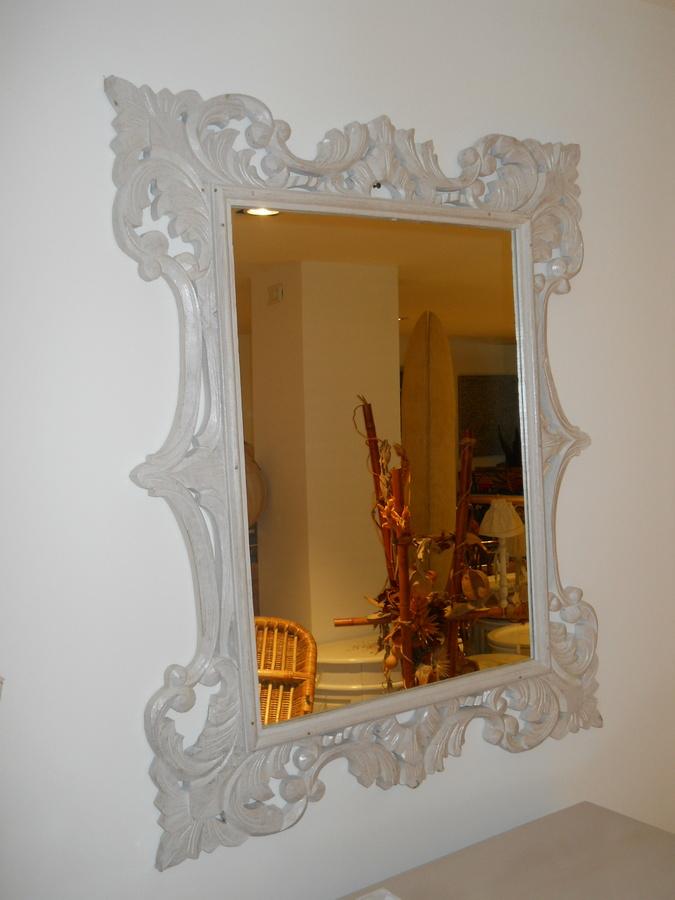 Specchio Con Cornice Intagliata In Legno Shabby Chic